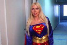 Super woman ha sido violada
