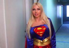 Imagen Super woman ha sido violada