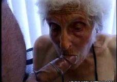 Imagen Desagradable puta abuela chupadora
