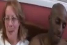 Abuela tetona por fín prueba rabo negro