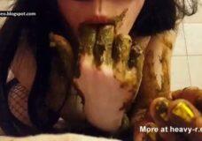Imagen Chica Guarra se chupa los dedos de caca