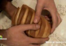 Imagen Rellena el pan con su semen