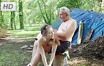 Viejos abuelos follando con sus nietas