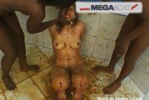 Señoras negras hacen comer mierda a la esclava