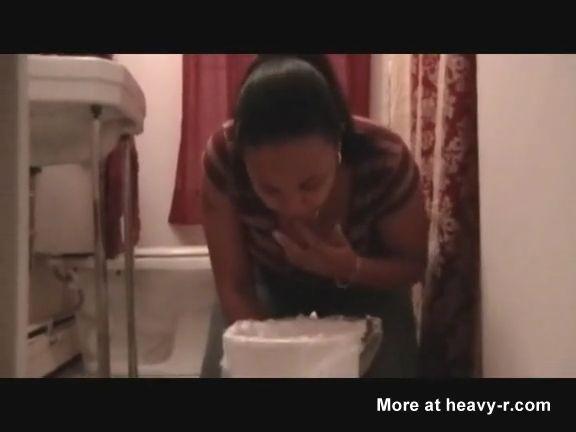 Chicas negras vomitando hasta la papilla