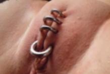 Coño cerrado con piercings
