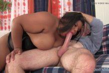 Hombre Blanco machacado por una negra gorda