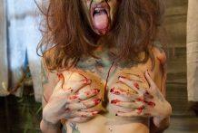 Una chica zombie para follar