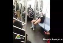 mujer se masturba en el metro de nueva york miniatura