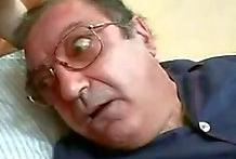 Enfermera resucita a un viejo en estado crítico