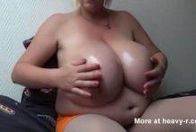 extrema tetona gorda como una ballena miniatura