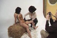 Fotos con Dos chicas extremas meando y cagando