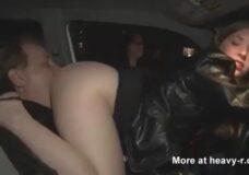 Imagen Comiendo el culo de una puta en el coche