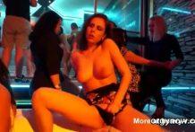 Gran fiesta de sexo salvaje