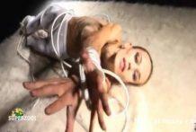 chica flaca mostrando su cuerpo huesudo extremo thumb54 218x147 - Chica flaca mostrando su cuerpo huesudo extremo
