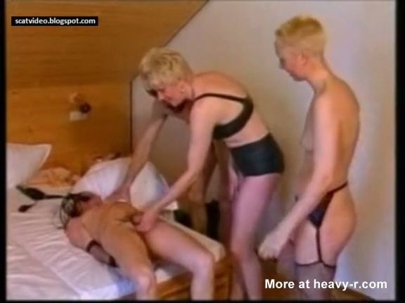 orgia sucia thumb81 - Dos tios y dos chicas en una orgia de mierda sucia