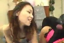 2 chicas japonesas follando con dos perros
