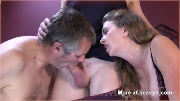 esposa obliga a su marido a ser bisexual miniatura
