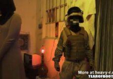 Imagen Soldados visitan una casa de putas en Afganistán