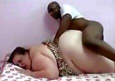 Imagen Negro flaco folla a la mujer más grande