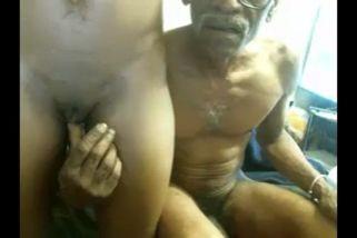 Viejo hombre en ella clips N18426804 thumb297 - Adolescente Follando con viejo de 70 años