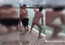 Imagen Hombre Borracho y desnudo cae al mar