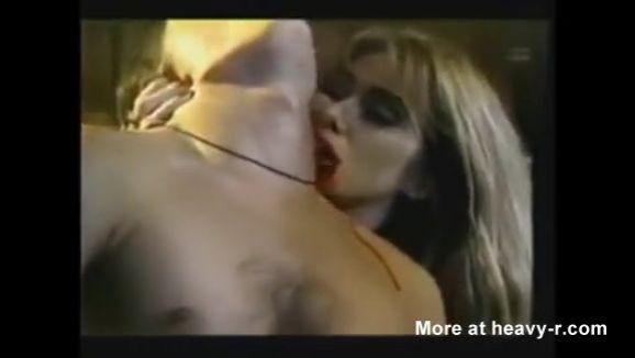Gore Vampiras Eroticas chupan sangre