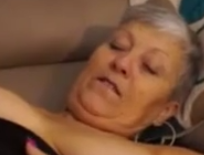 Follando a una abuela golosa