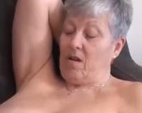 Acción lésbica con abuelas