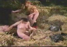 Imagen Cerdo animal y salvaje folla duro a una mujer