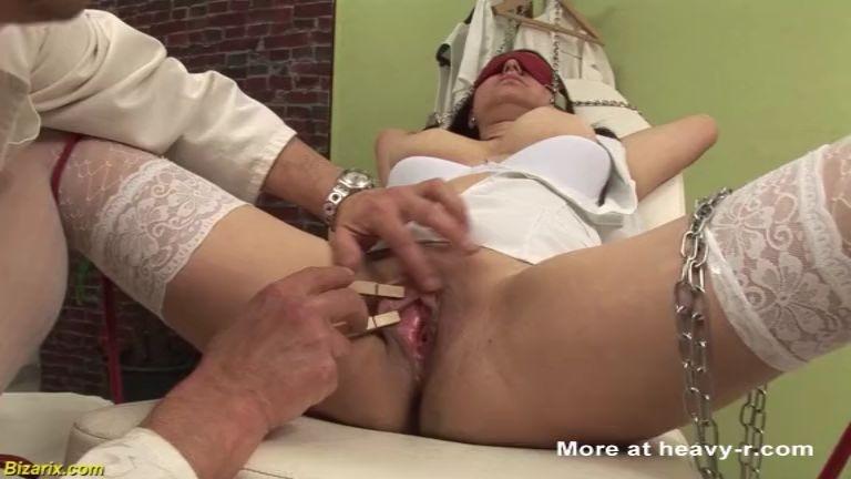 Enfermera tiene sexo bizarro con el doctor