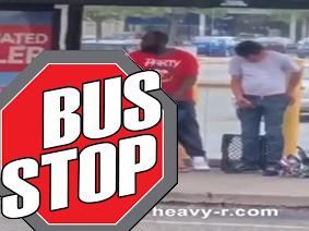Borrachos Sexo público en la parada de autobús