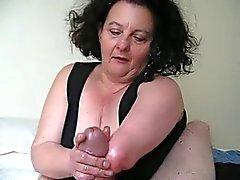 Mujer manca sin manos hace pajas