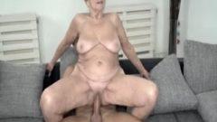 A la Abuelita le gusta follar