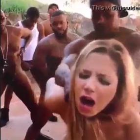 Negros acaban de salir de la carcel y quieren follar