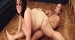 Esta gorda folla con mucha flexibilidad